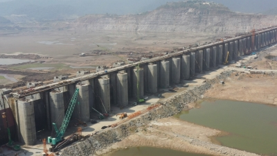 Jet speed in Polavaram; spillway pillars completed