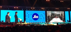 Reliance Jio's war on telcos: Shocking offers to Jio Users